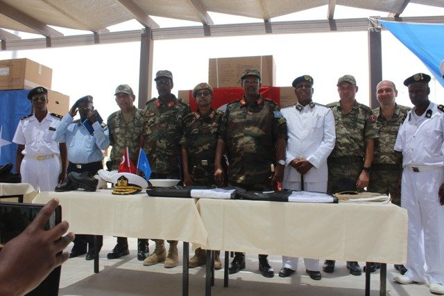 Turkey Donates Military Uniform to Somalia Forces