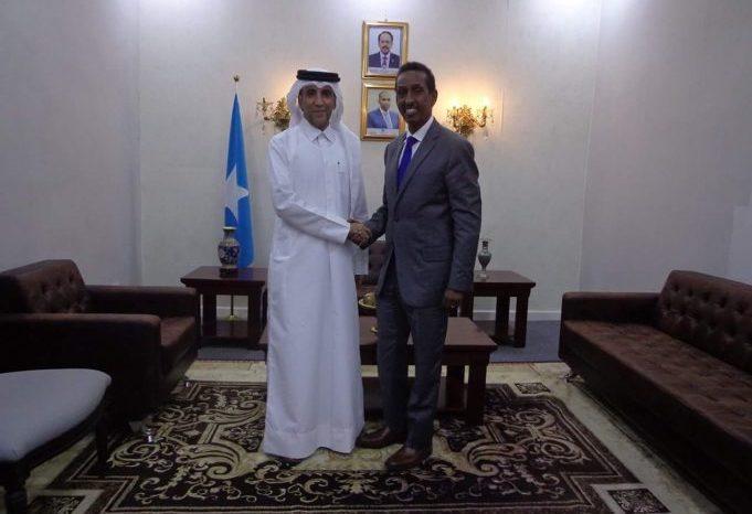 Somali foreign minister meets Qatari ambassador in Mogadishu