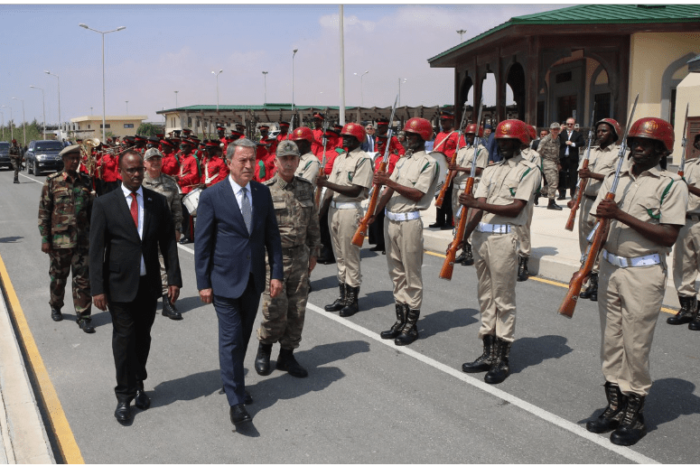 Turkish Defense Minister visits his country's military base in Mogadishu