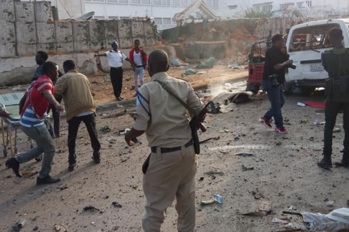 10 people killed in suicide blasts in Mogadishu