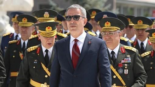 Turkish Defense minister arrives in Mogadishu